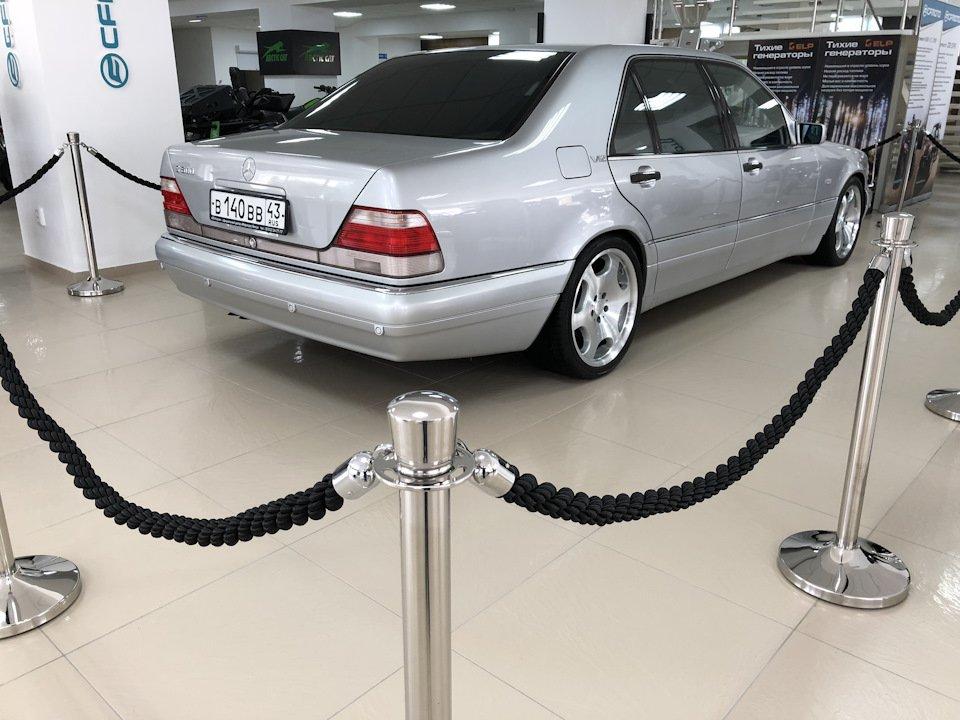 Mercedes S-class W140 S600 V12 (58)
