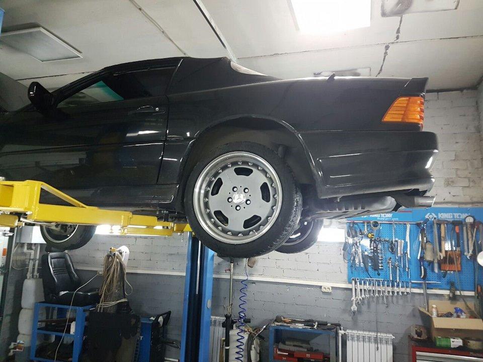 Mercedes SL60 AMG R129 6.0 V12 1995 (19)