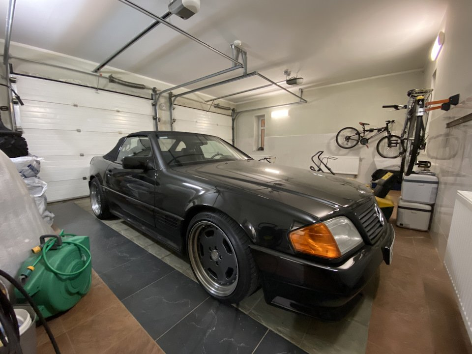 Mercedes SL60 AMG R129 6.0 V12 1995 (1)