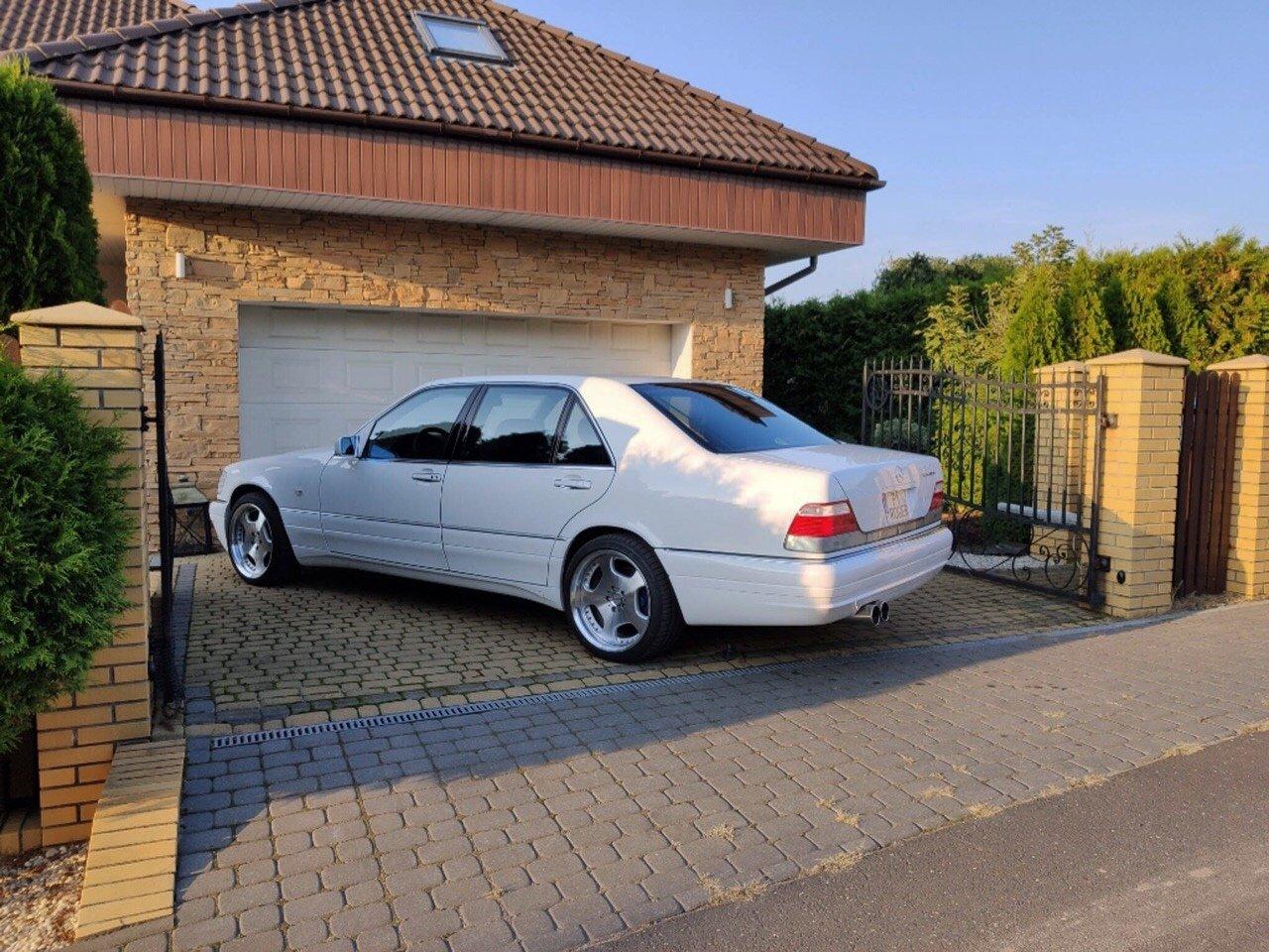 White Mercedes-Benz S500 W140 (2)