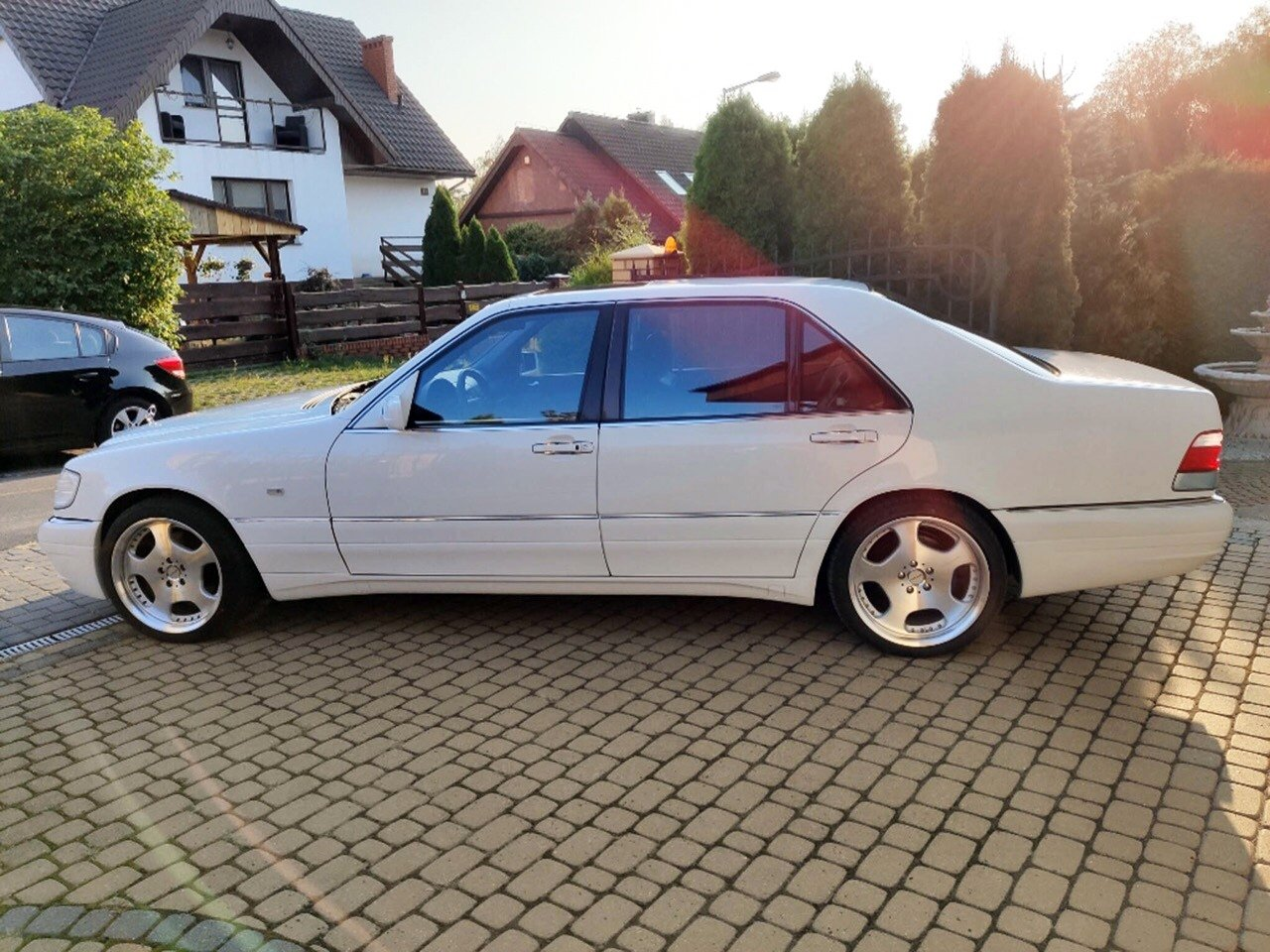 White Mercedes-Benz S500 W140 (8)