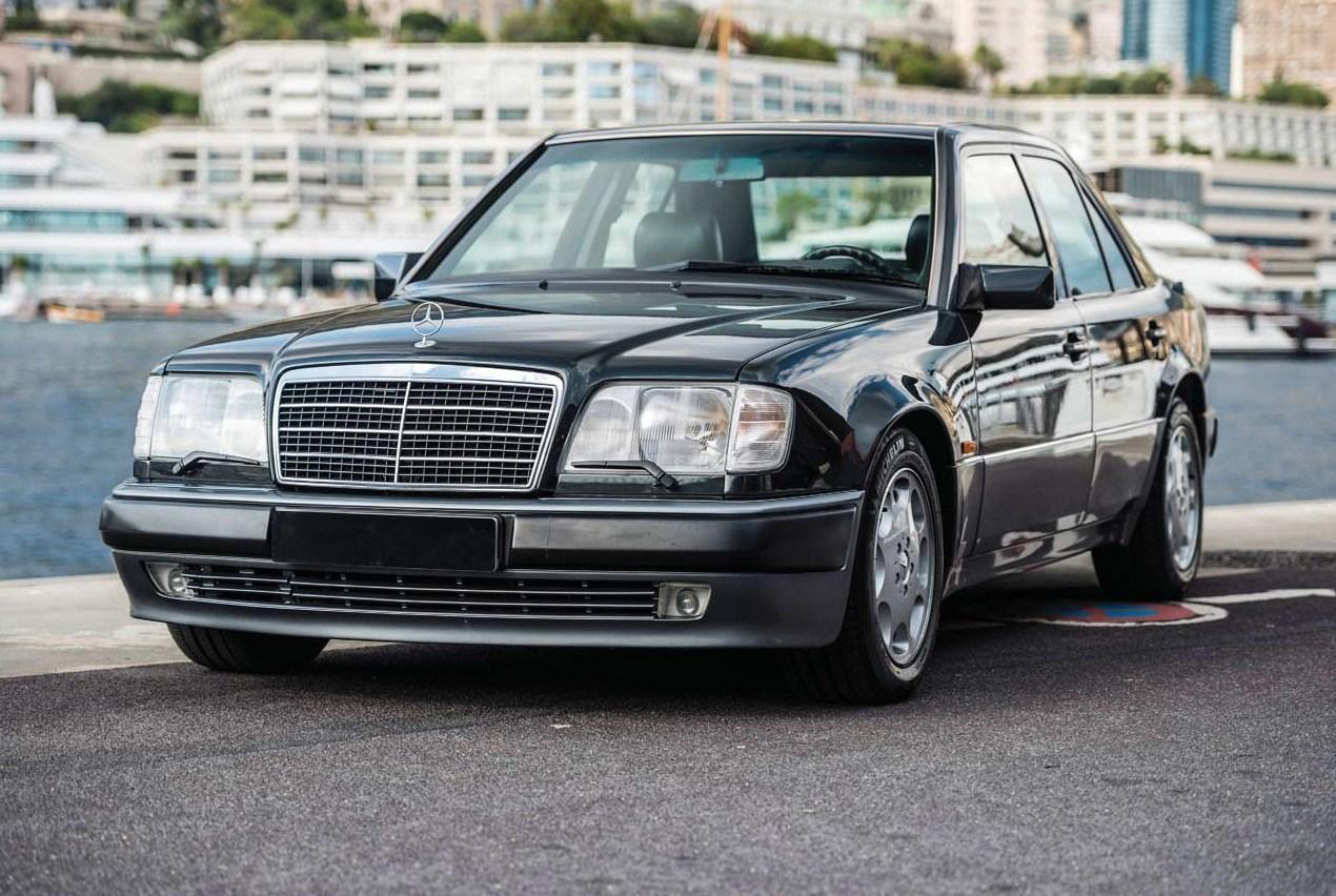 Mercedes-Benz W124 Photos