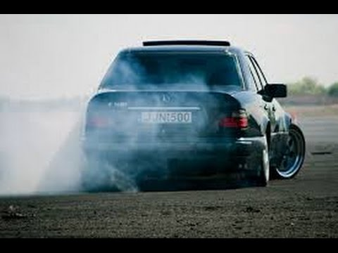 Mercedes-Benz w124 Brutal Drift & Burnout