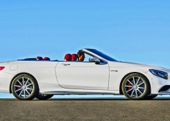 2016 Mercedes-AMG S 63 Convertible – Footage – Walkaround and Driving