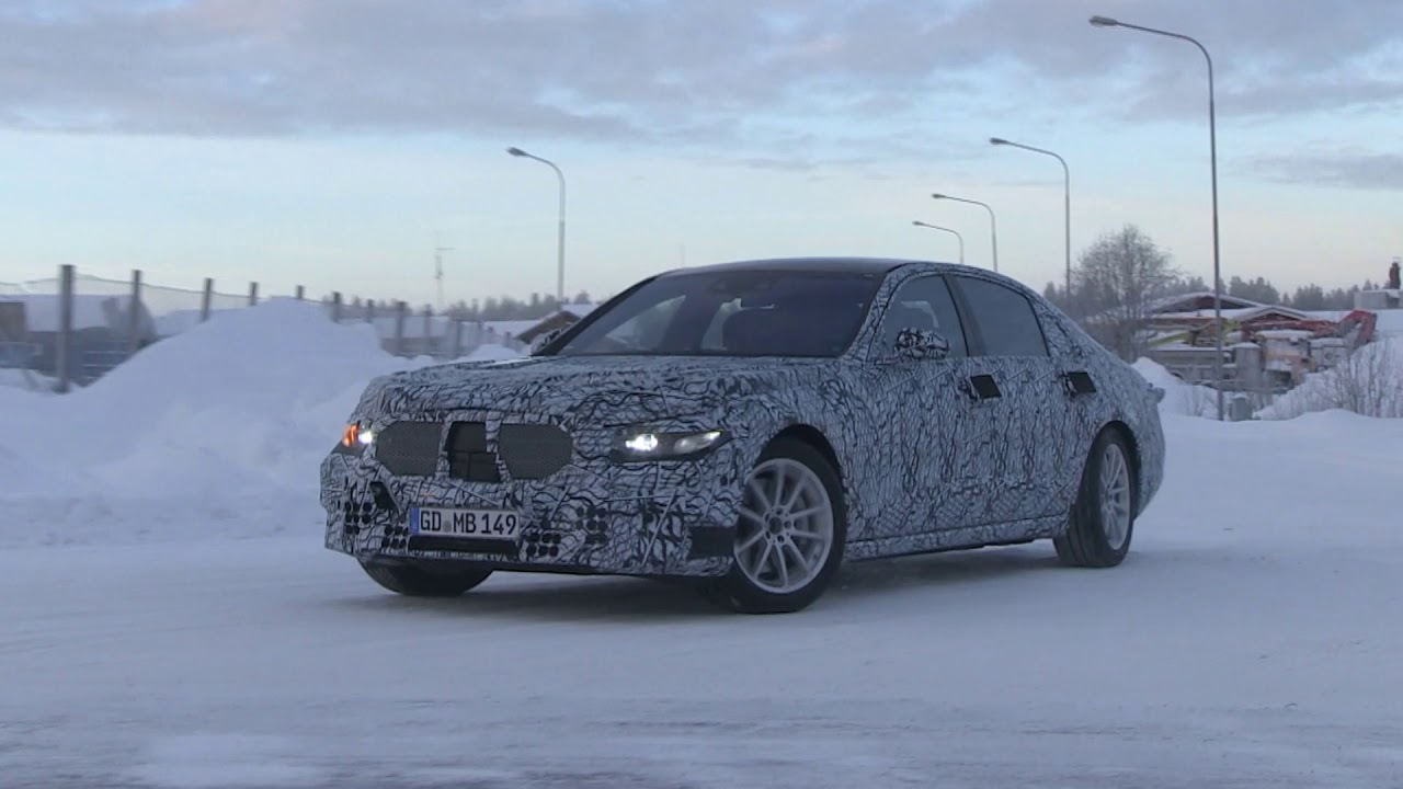 2020 Mercedes S-Class spy video