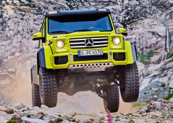 New Mercedes-Benz G500 4×4² revealed