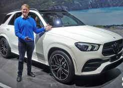 The New Mercedes GLE is an SUV Tech Fest!