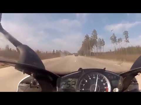 0-300 km/h: Mercedes-Benz SL63 AMG vs Yamaha R1 Bike