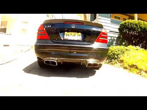 Mercedes-Benz C32 AMG Exhaust Sound (W203)