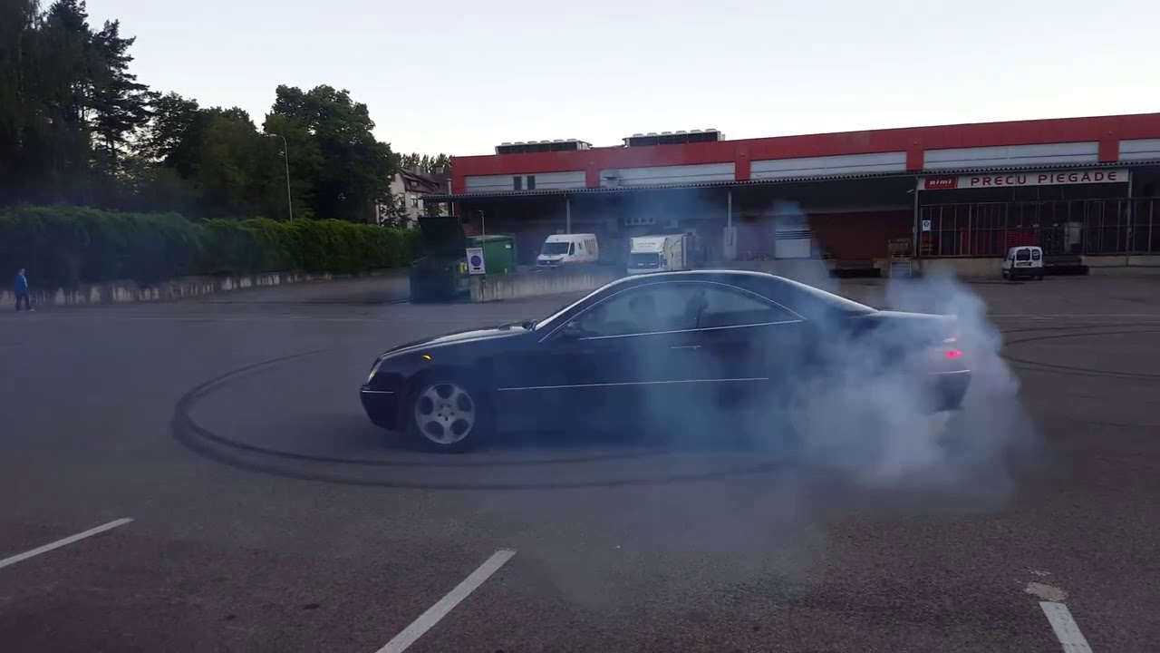 Mercedes-Benz CL500 W215 Crazy Burnout, Drift and Nice Exhaust Sound