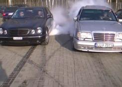 Mercedes-Benz W210 Compilation – Burnouts, Donuts, Drifts, V8 Exhaust Sounds